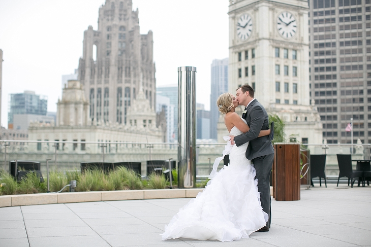 Adler-Planetarium-Chicago-Wedding-by-Christy-Tyler-Photography_0024(pp_w730_h487)
